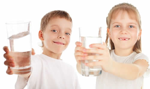 kids with glass of water